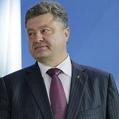 Новости дня: Порошенко на следующей неделе начнет продажу бизнеса, Все 280 российских КамАЗов проехали в Украину, ЕС обвинил РФ в нарушении украинской границы