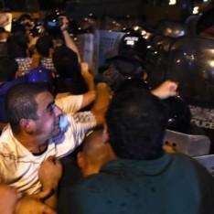 В Ереване члены захватившей здание полиции группы устроили стрельбу